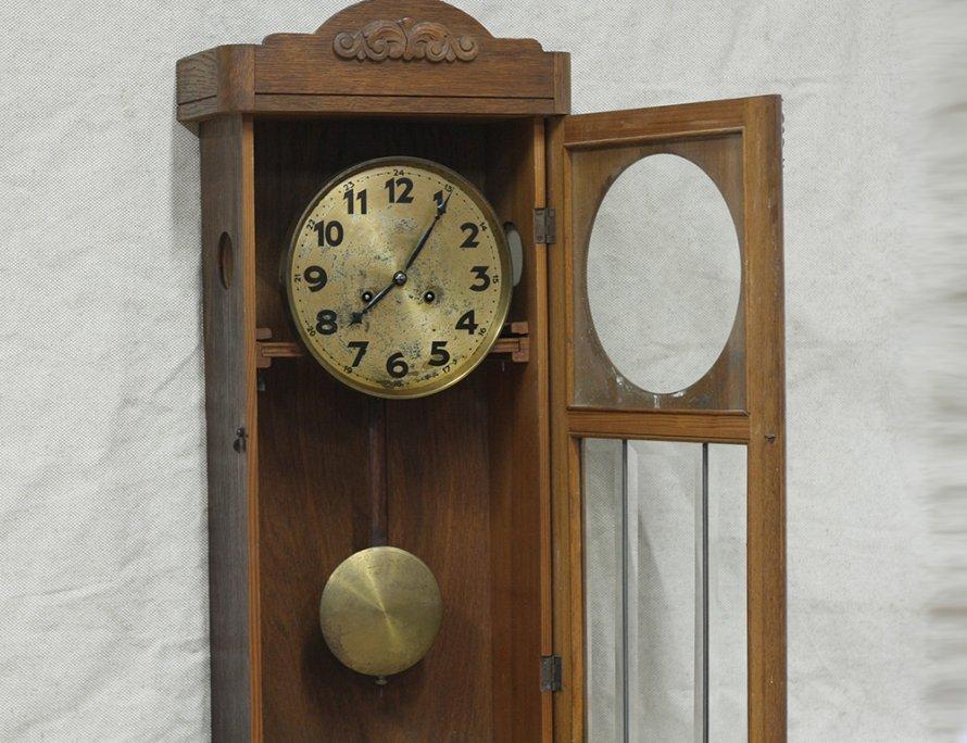 Артур юнганс был профессиональным часовщиком, прекрасным руководителем и бизнесменом.